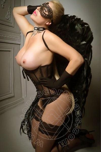 Kendra Kiss  PISA 3312821010